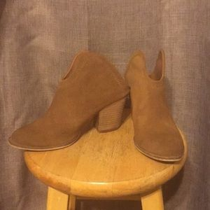 Chinese Laundry Kelso Slip on Booties